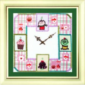 Набор для вышивки бисером Чарівна Мить Б-727 Часы с пироженками