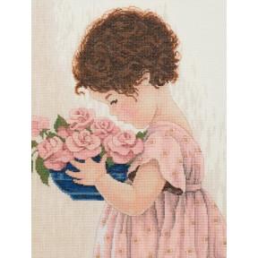 Набор для вышивания крестом Classic Design Девочка с цветами 4418