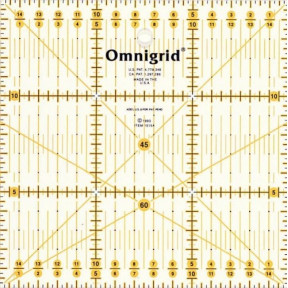 Универсальная линейка с сантиметровой шкалой 15 x 15 Prym 611484