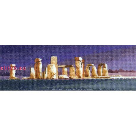 Схема для вышивания Heritage Crafts Stonehenge HC635