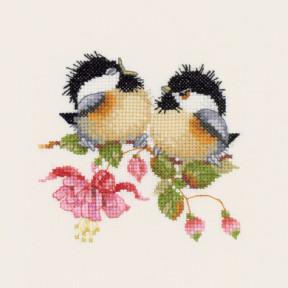Набор для вышивания крестом Heritage Crafts Fuchsia Chick-Chat H777