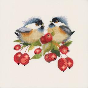 Набор для вышивания крестом Heritage Crafts Berry Chick-Chat H775