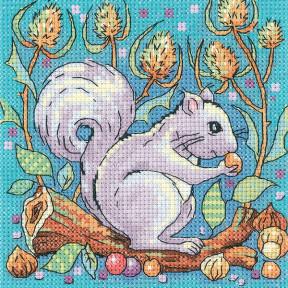Набор для вышивания крестом Heritage Crafts Grey Squirrel H1383