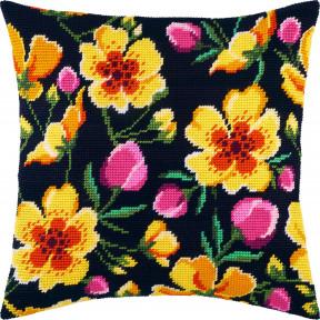 Набор для вышивки подушки Чарівниця Цветущая живая изгородь V-275